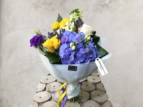 Buchet de flori Lovely Blue