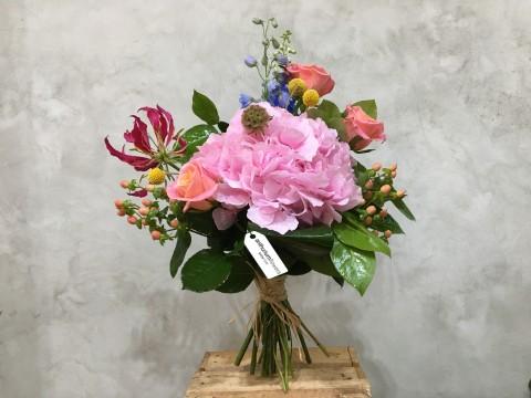 Buchet de flori cu Hortensii roz