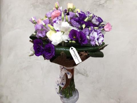 Buchet de flori din  33 Lisianthus mixt