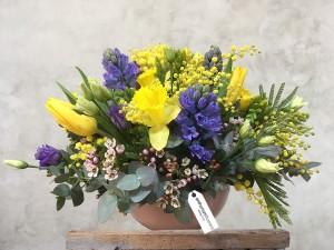 Aranjament floral cu lalele si zambile