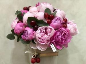 Aranjament floral din bujori